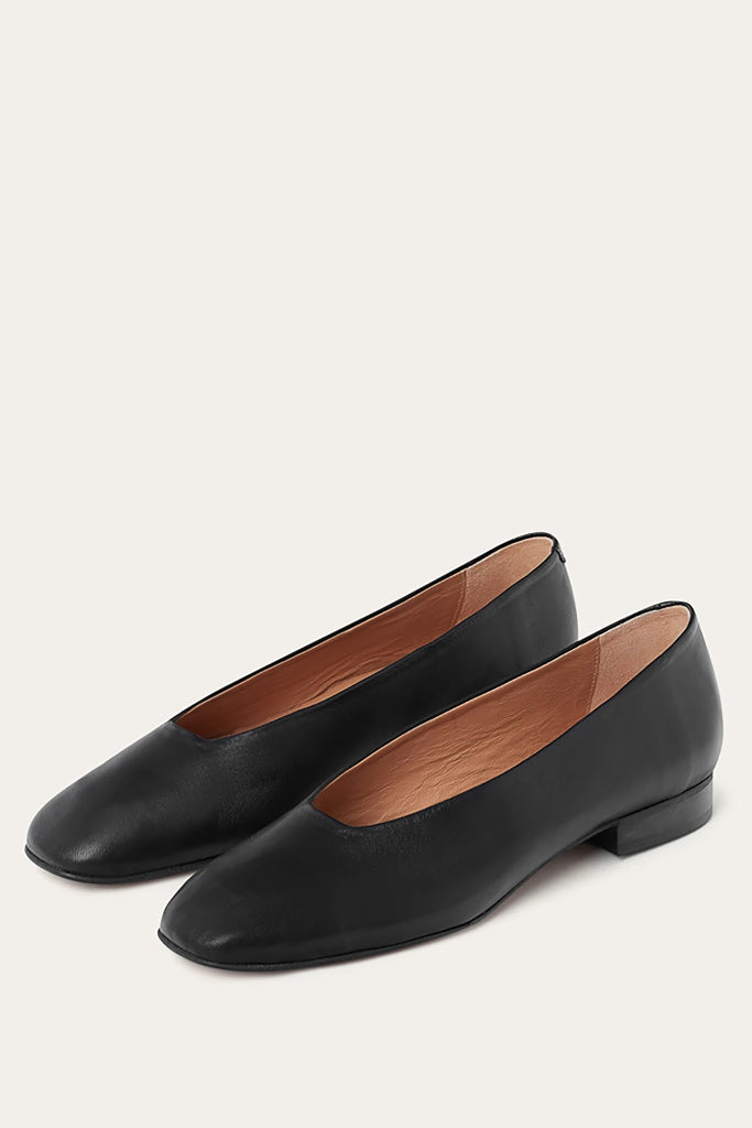 Kikar Natural Cow Leather Shoes in Black