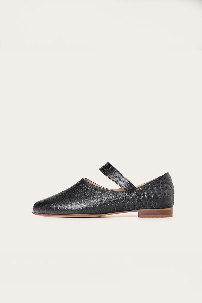 Madeline Natural Cow Leather Shoes in Black Crocodile Pattern
