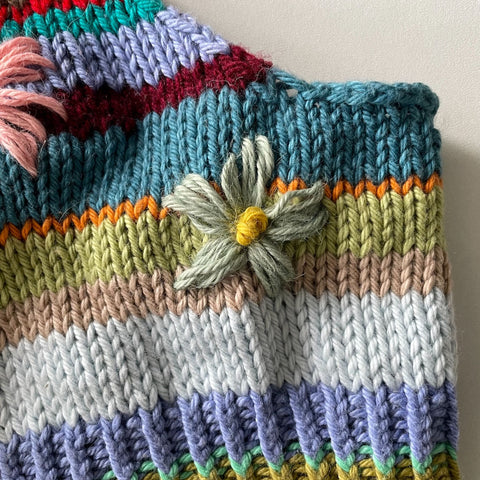 Deadstock flower knitting tutorial with Uma Knits