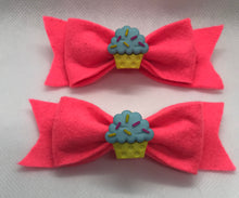 Load image into Gallery viewer, Cupcake Hair bow Clips