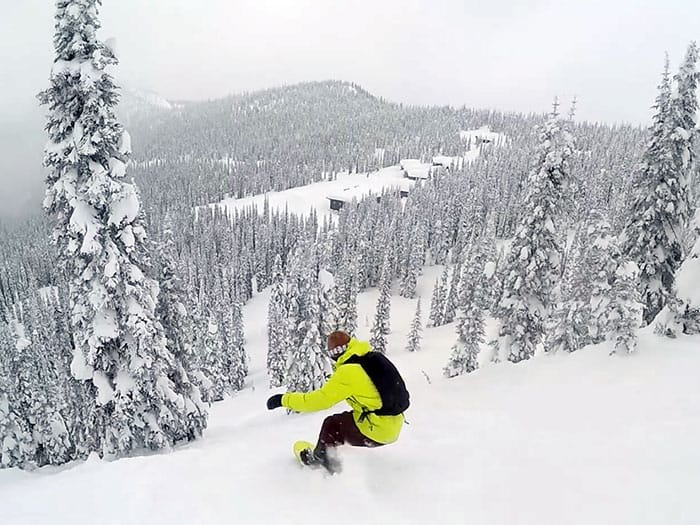 SNOWBOARDING BALDFACE WITH OUR GUIDE PROVEN TECHNOLOGY OUTERWEAR