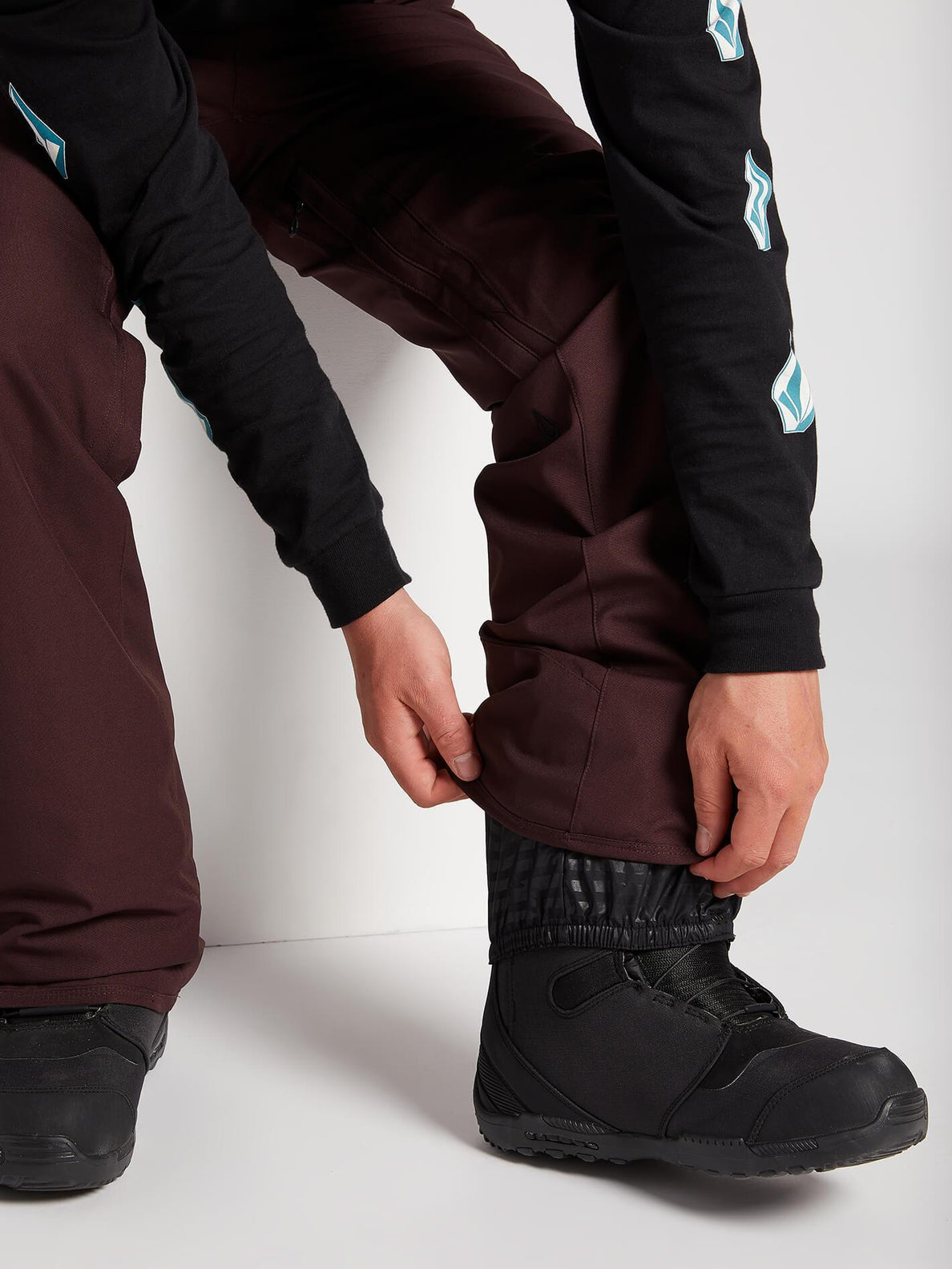 Freakin Snow Chino Pants - Black Red (G1351912_BRD) [4]