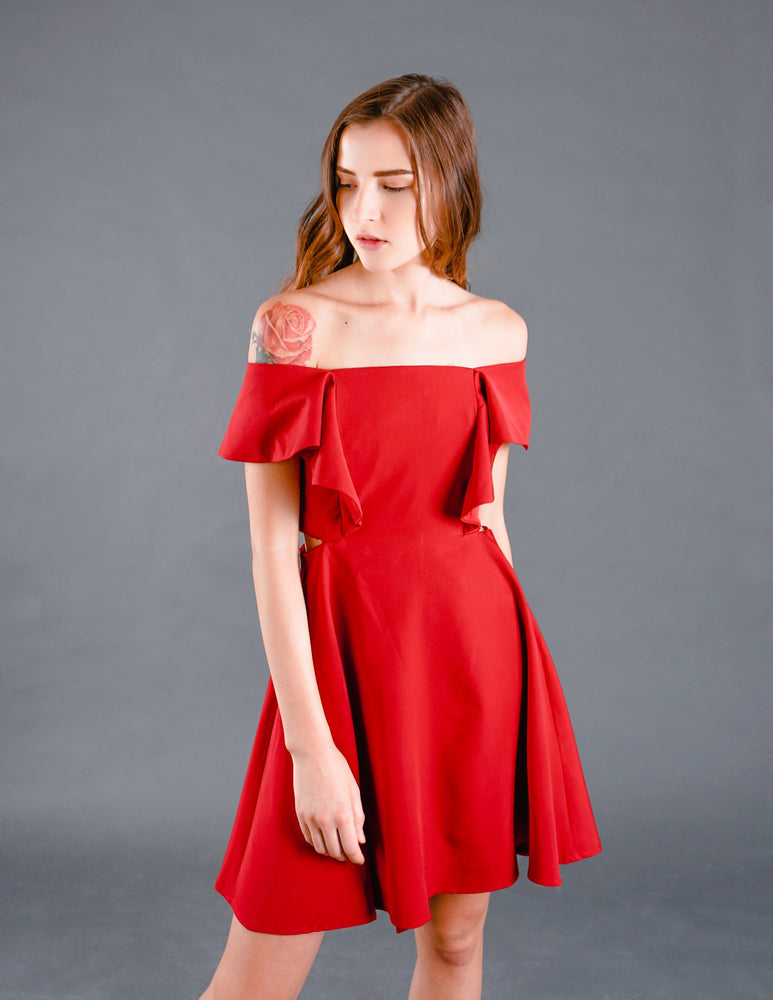 Fairyn 2-way Cut-out Dress in Red