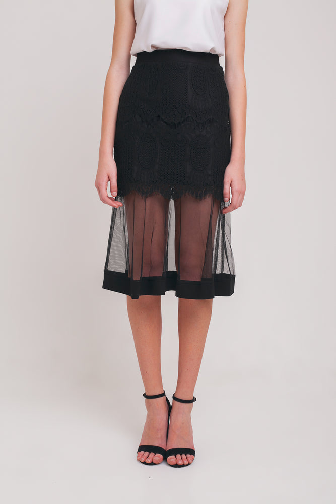 Leila Lace Trumpet Skirt in Black