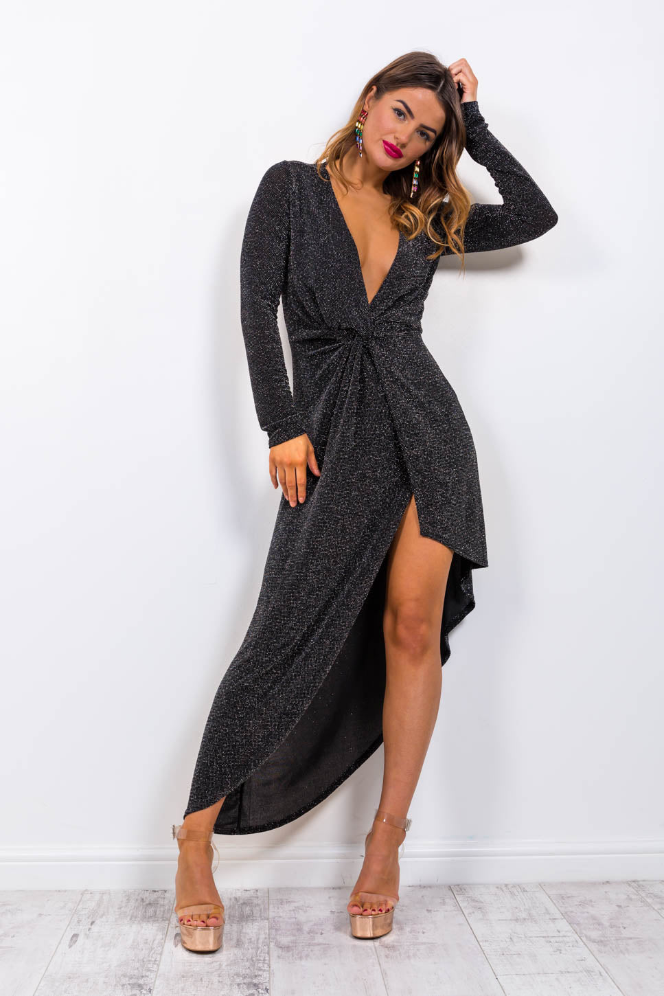 https://cdn.shopify.com/s/files/1/0062/6661/7925/files/product-video-shes_a_lady-dress-in-black.mp4?5988