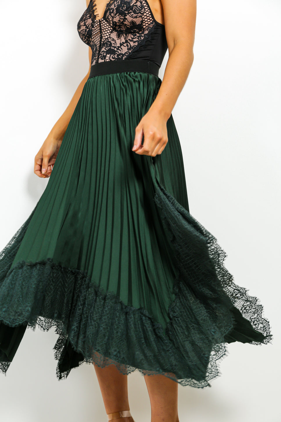 In The Pleat Of The Moment - Skirt In FOREST