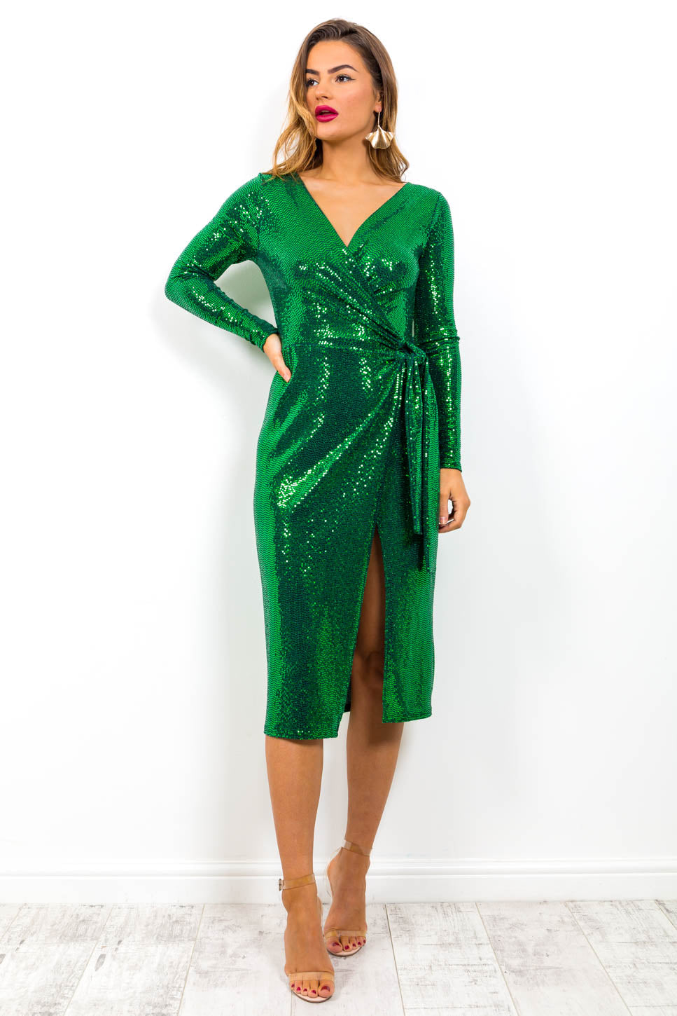 https://cdn.shopify.com/s/files/1/0062/6661/7925/files/product-video-sparks_fly-dress-in-green-mirror.mp4?5988