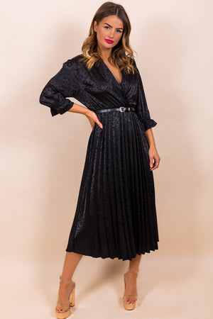 https://cdn.shopify.com/s/files/1/0062/6661/7925/files/product-video-finest_moment-dress-in-black-western-belt.mp4?5988