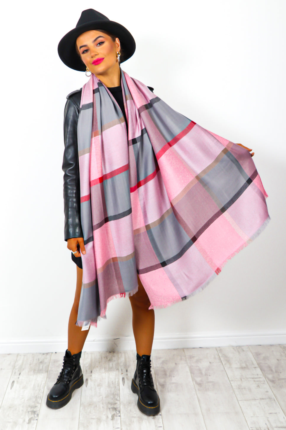 Autumn Perfection - Pale Pink Checked Scarf