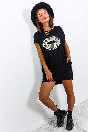 Black T-shirt Dress With Leopard Lips Graphic