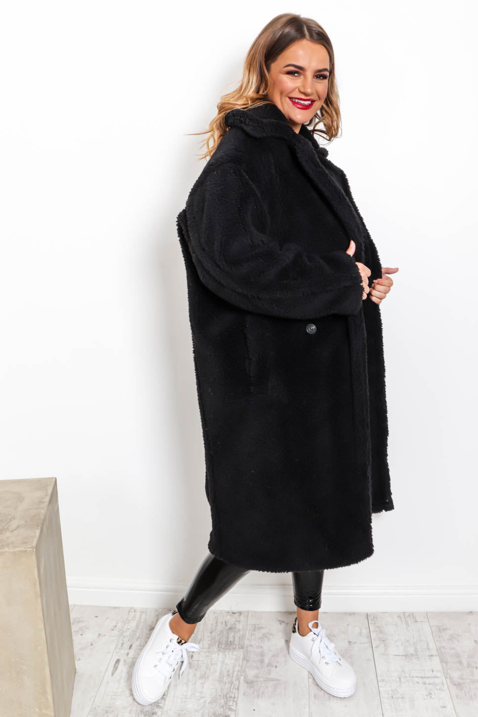 Cosy On Up - Teddy Coat In BLACK