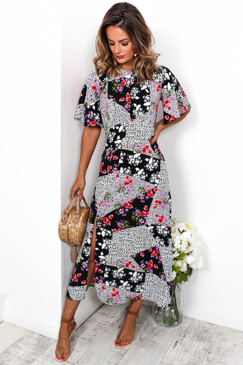 Let's Split - Maxi Dress In BLACK/FLORAL