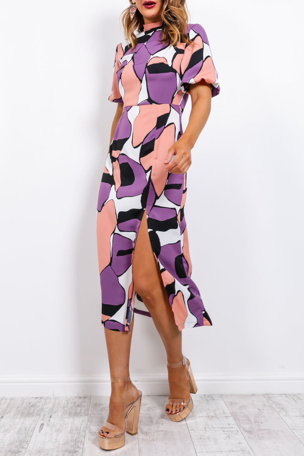 https://cdn.shopify.com/s/files/1/0062/6661/7925/files/product-video-back_to_you-dress-in-purple.mp4?5932