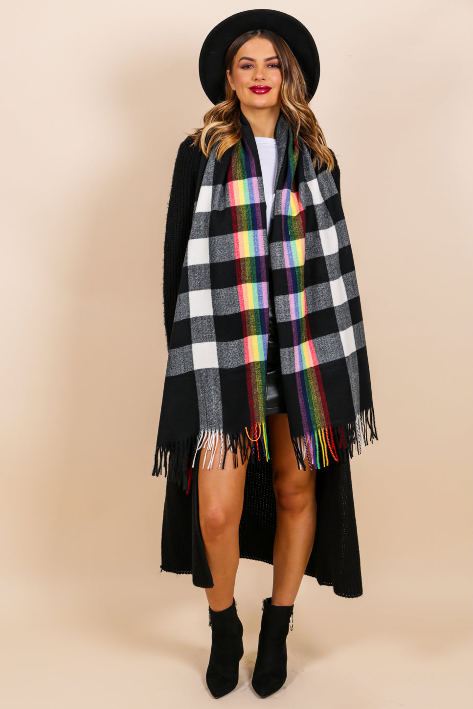 https://cdn.shopify.com/s/files/1/0062/6661/7925/files/product-video-chelsea_girl-scarf-in-black-rainbow.mp4?5932