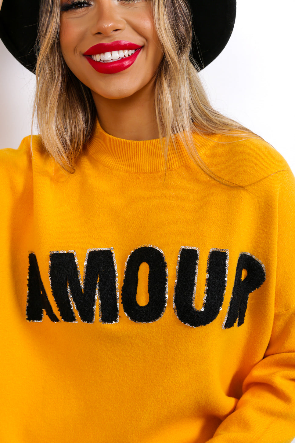 https://cdn.shopify.com/s/files/1/0062/6661/7925/files/product-video-je_taime_-jumper-in-yellow.mp4?5932