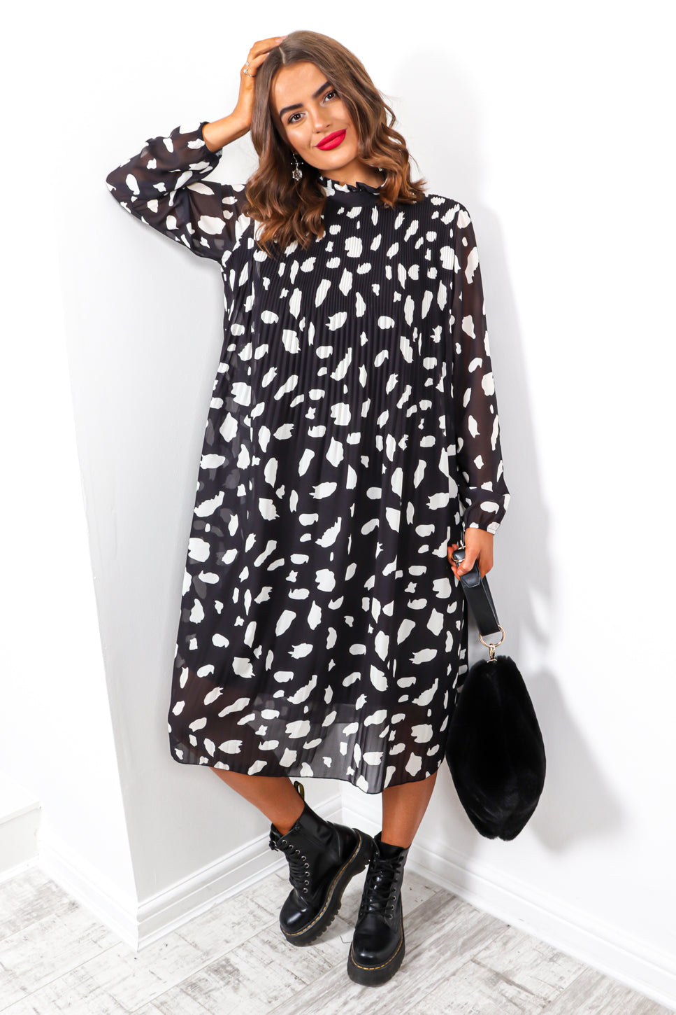Feeling Feisty - Black White Print Pleated Midi Dress