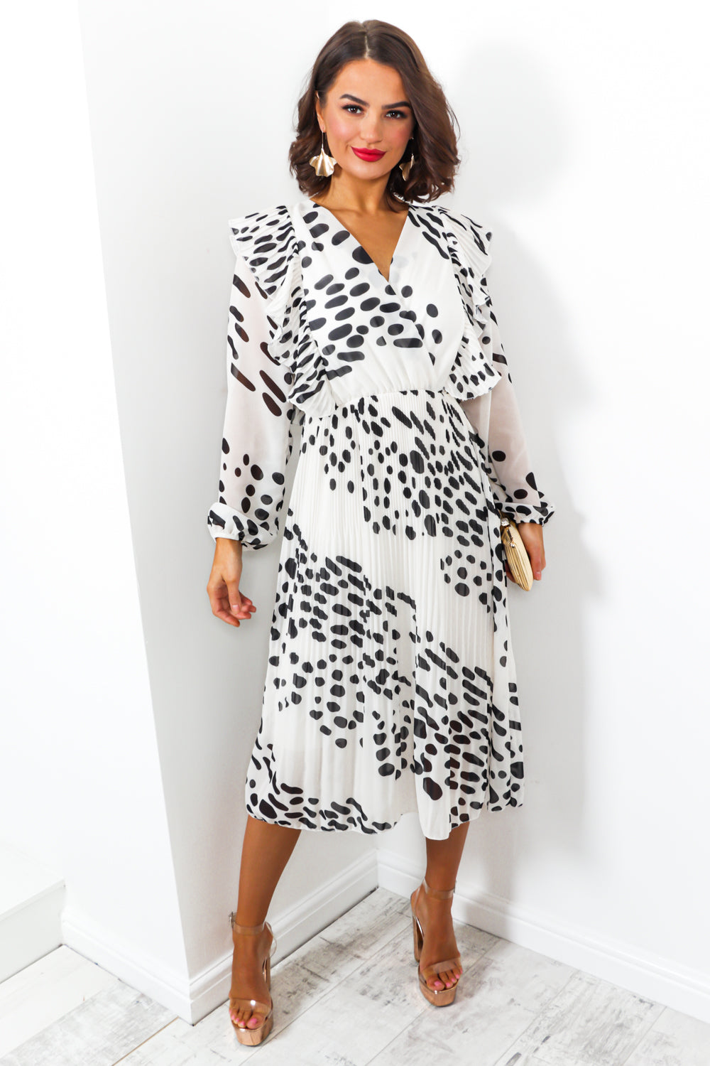 Grand Finale - Dress In WHITE/SPOT