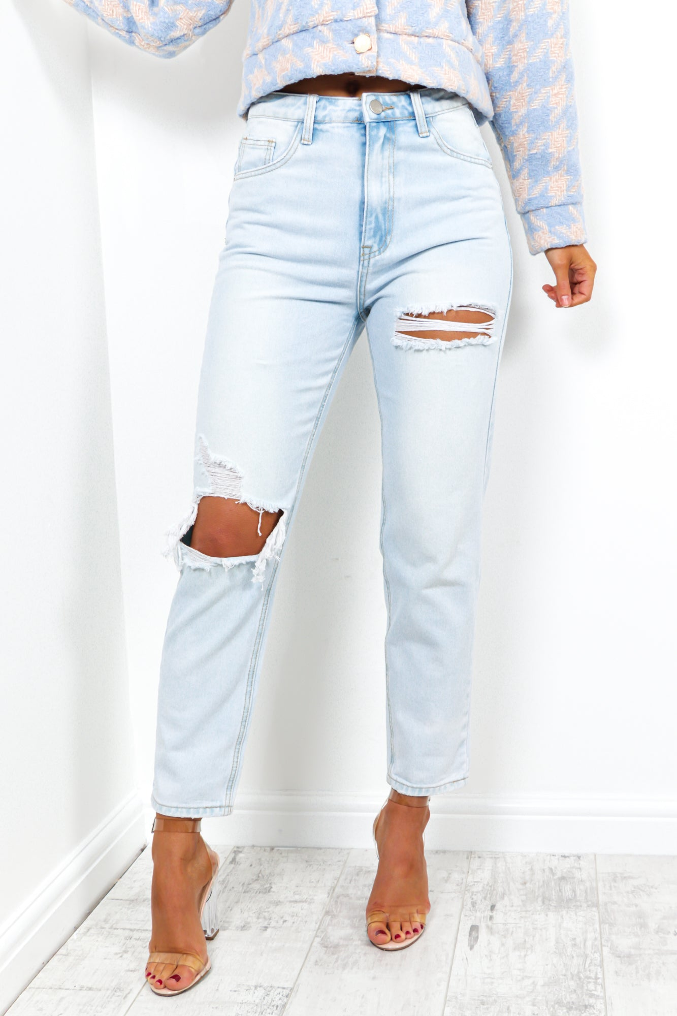 Hole Hearted - Jeans In LIGHT-WASH/DENIM