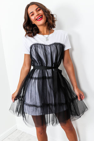 Childhood Sweetheart - T-shirt Dress In BLACK