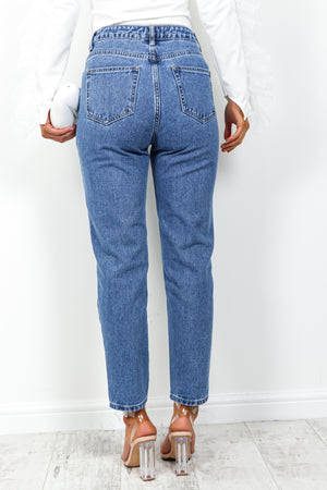 Mom Knows Best - Jeans In BLUE/DENIM