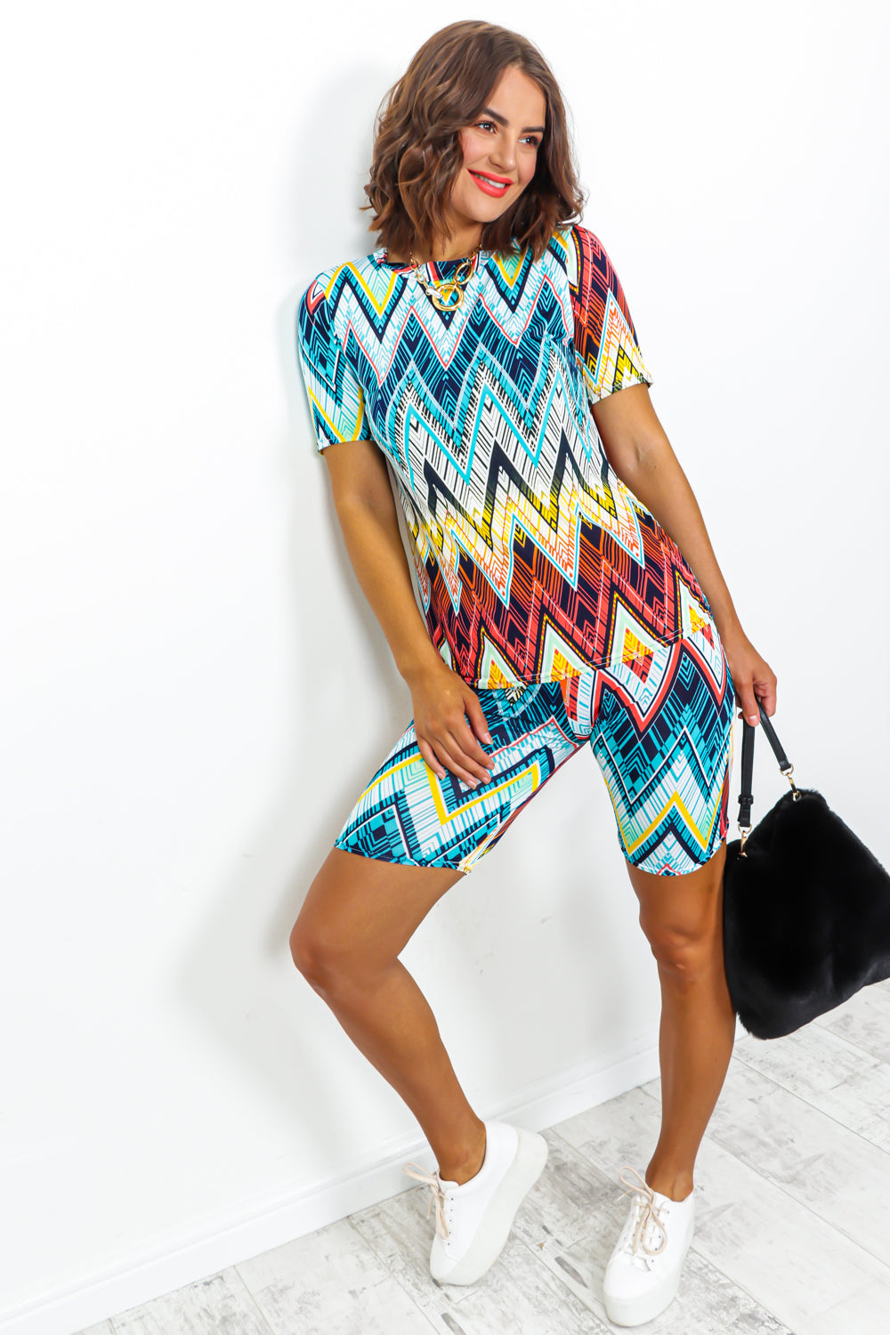 Blue Multi Colour Zigzag Print Cycle Short And T-short Coordinate Set