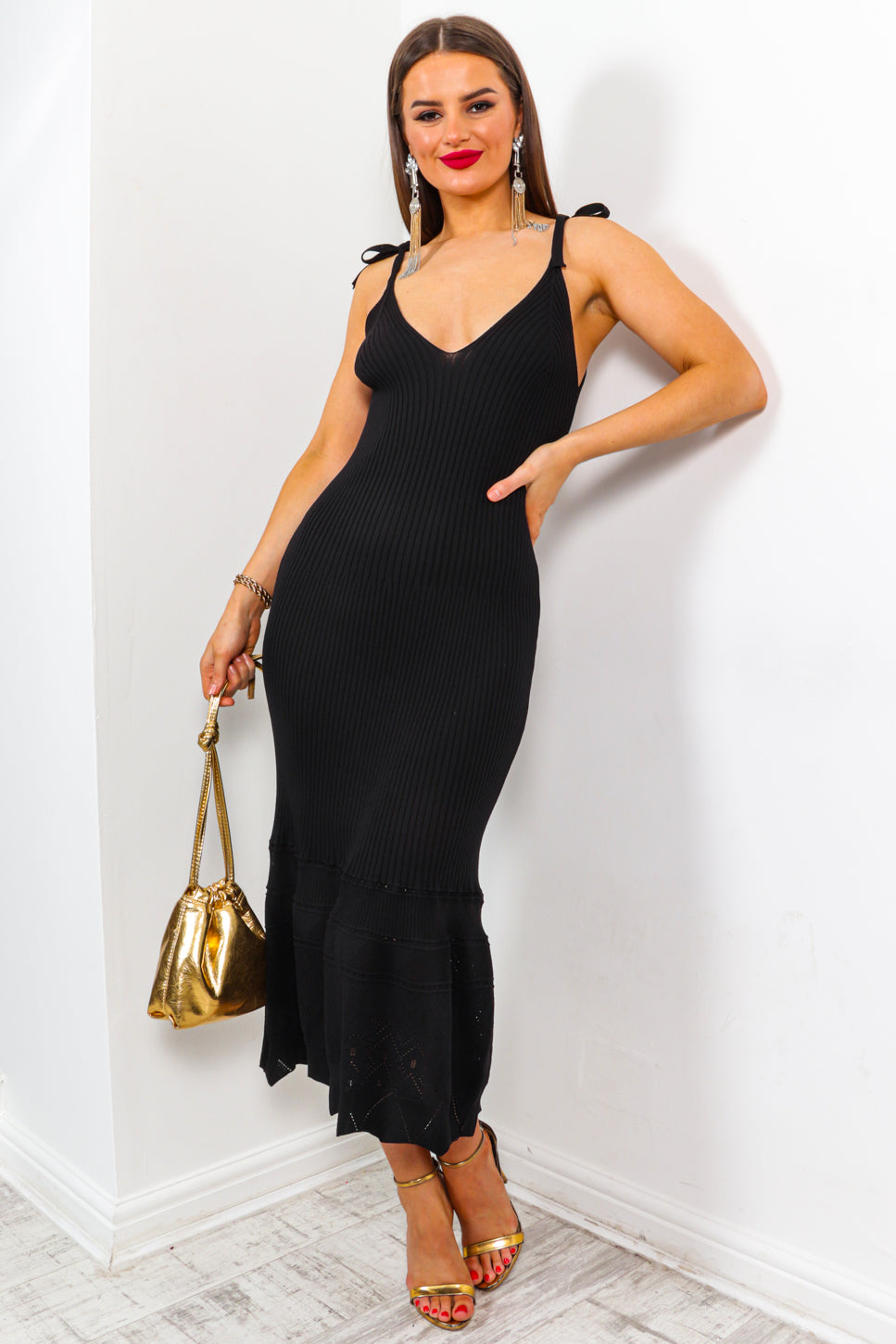 Tell A Tail - Black Ribbed Knit Dress