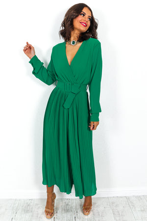 The Pleat Is On - Jumpsuit In GREEN