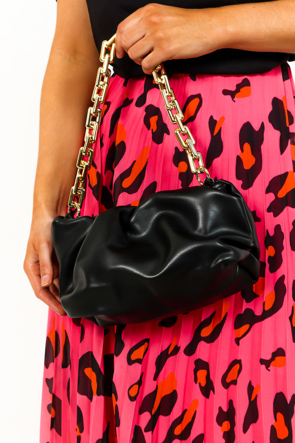 Totally Iconic - Black Gold Chain Bag