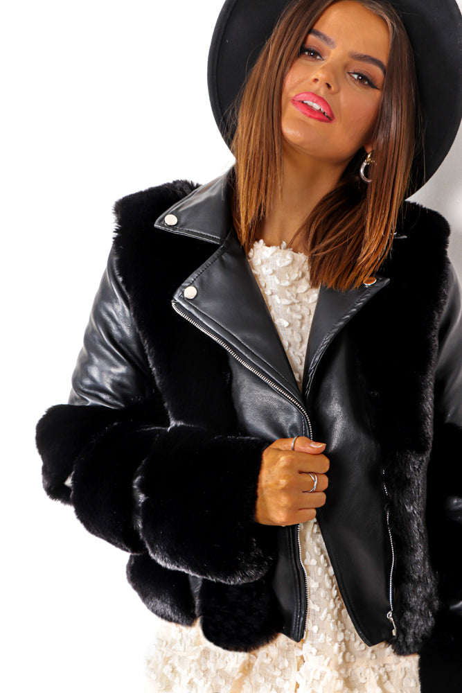 Winter Queen - Black Fur Biker Jacket Without Buckle
