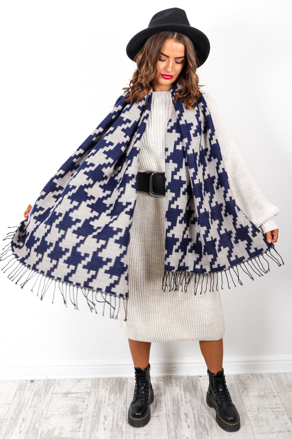 Wrap It Up - Navy Houndstooth Print Scarf