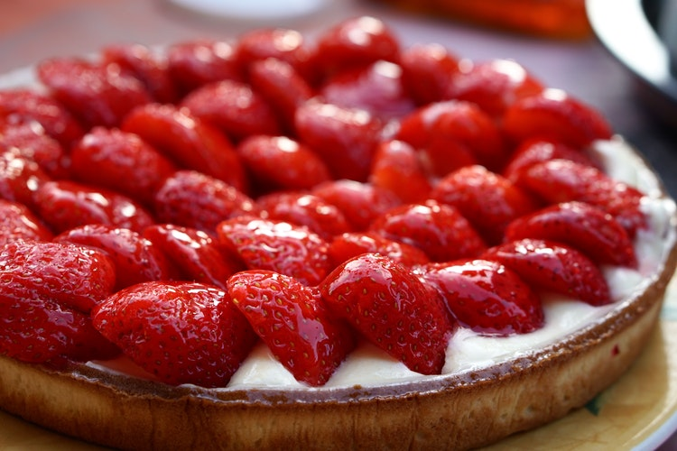 Easy No-bake Cheesecake on Zeena Uncovered - Quick and Easy Iftar Recipes for Ramadan