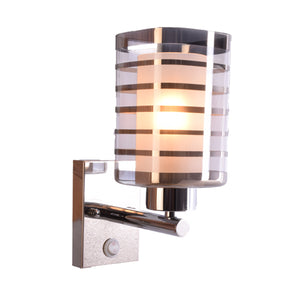 Chrome Wall Light with Silver Lines Glass Shade, E27