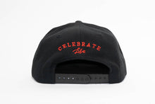 Load image into Gallery viewer, Black Essential Snapback