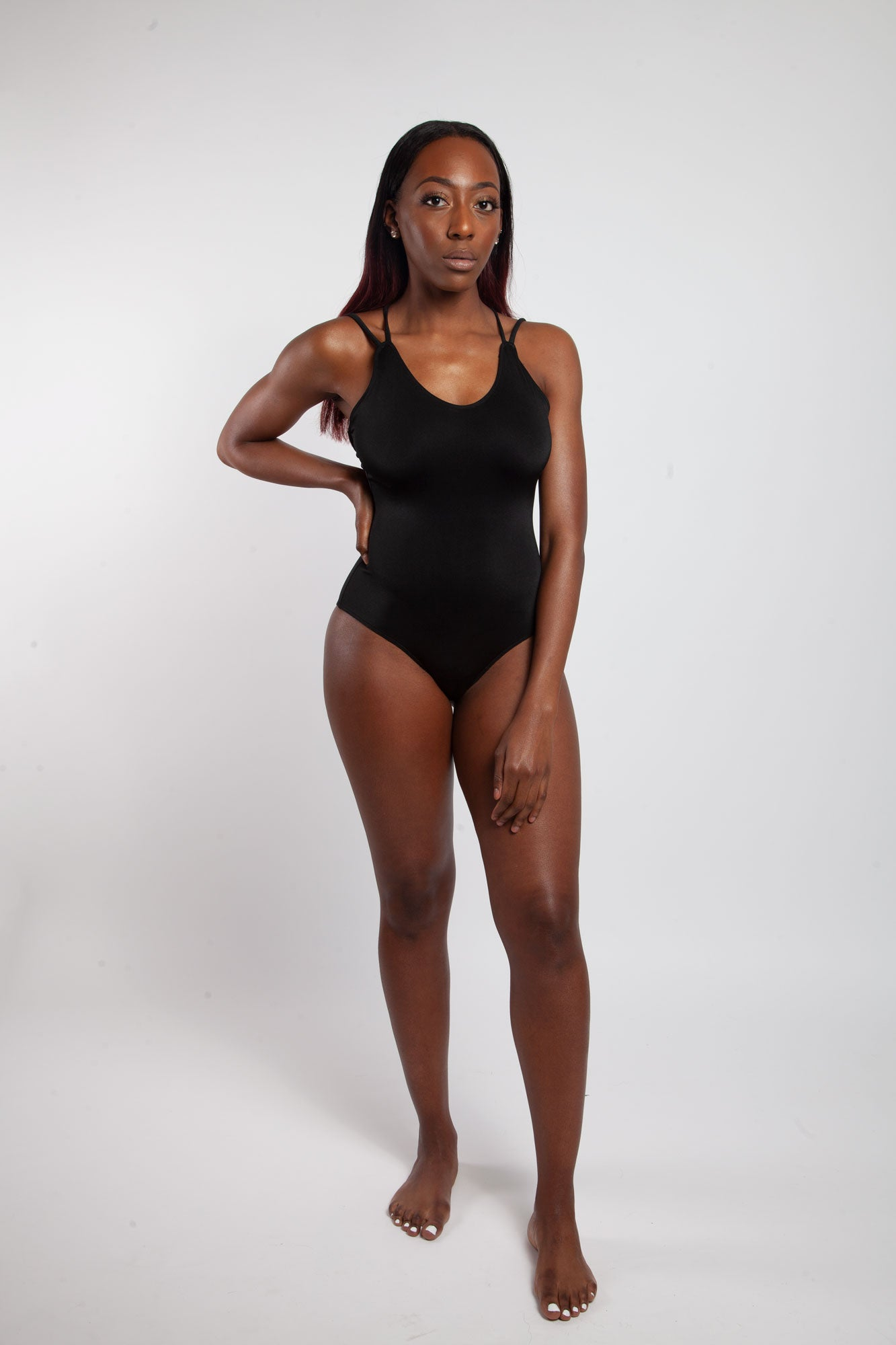 "<alt=""black strappy swimsuit"">"