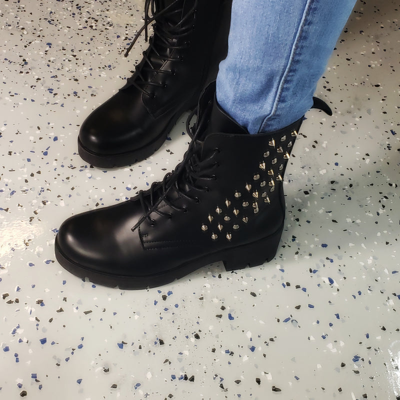 Glassy~Black Spiked Chunky Heel Boot