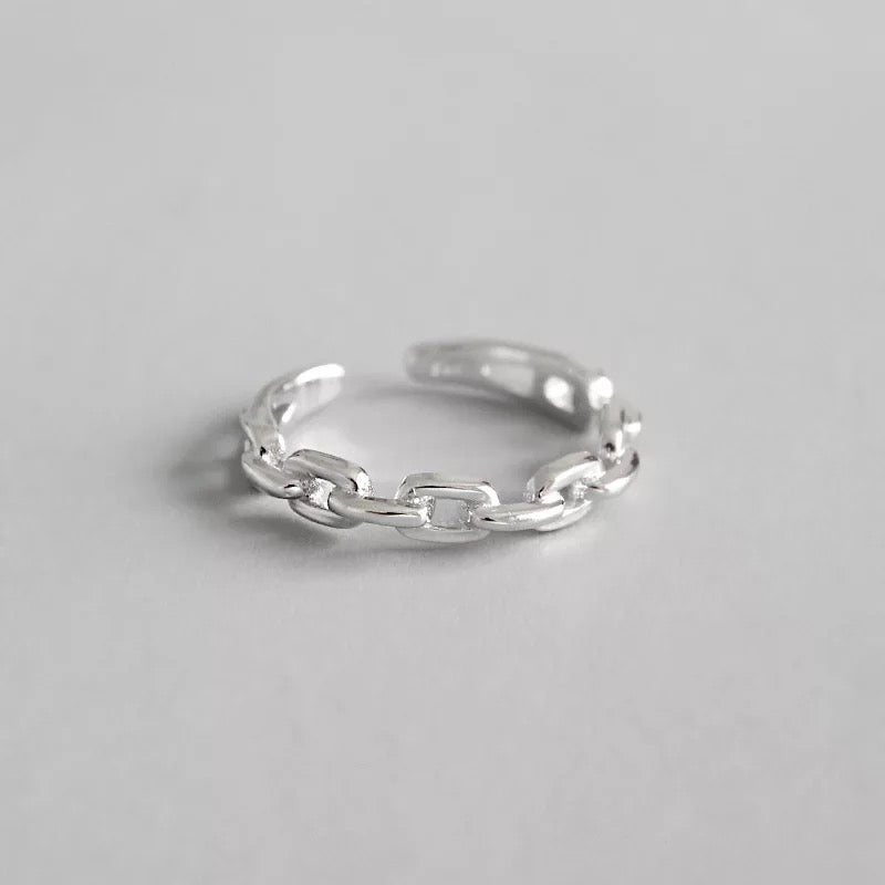 Esther Chain Ring