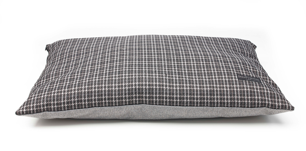 Ascot Cushion Bed Medium- Black Tweed