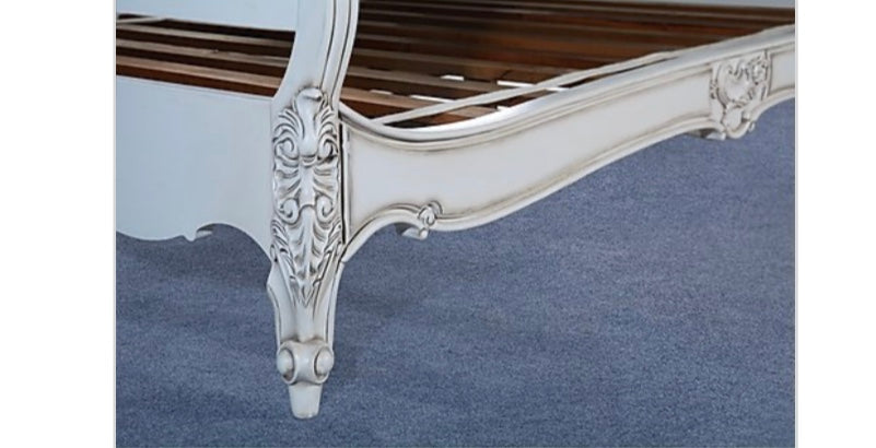 Louis Classic King White Bed