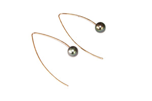 Hana Threaders w. Tahitian Pearl
