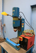 Load image into Gallery viewer, Bracker RN 180 RIVETER