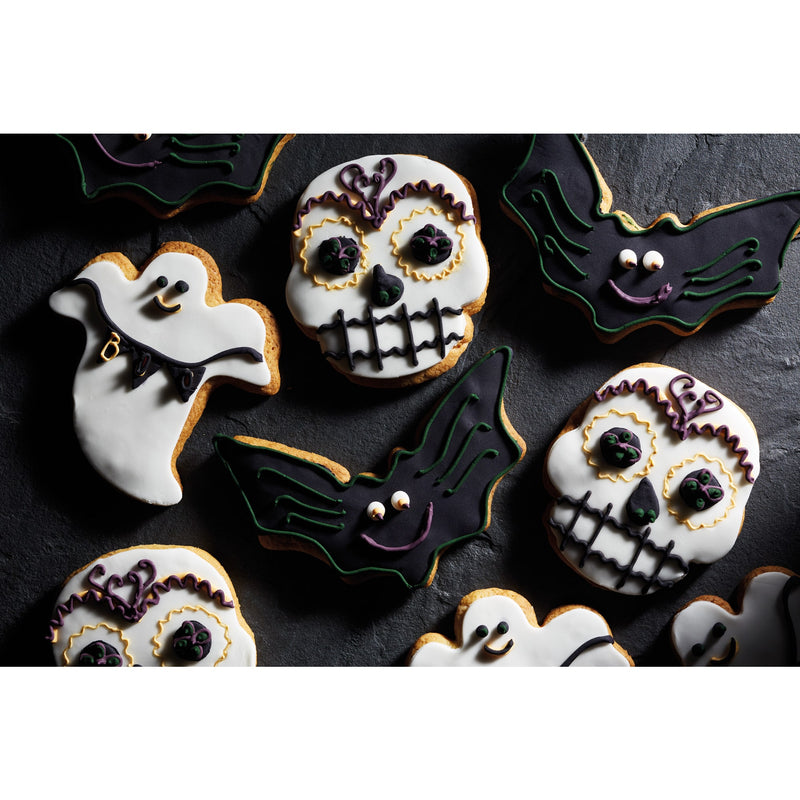KitchenCraft Spookily Does It Spatula and Cookie Cutter Set Ghost, Bat or Skull - The Cooks Cupboard Ltd