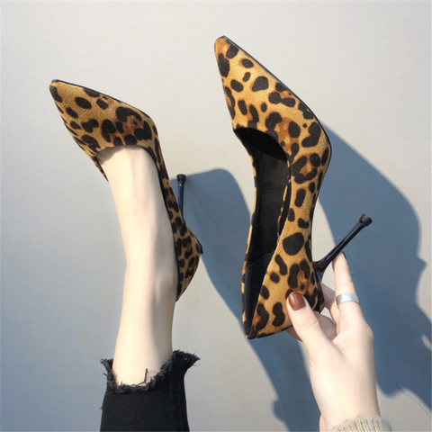 Sexy leopard-tip pointed high heels