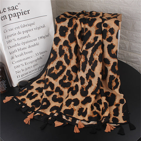 Casual Fashion Thermal Rectangle Leopard Print Fringe Bottom Cape Scarf