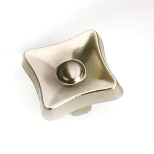 Square Knob, Flair Collection - Laurey