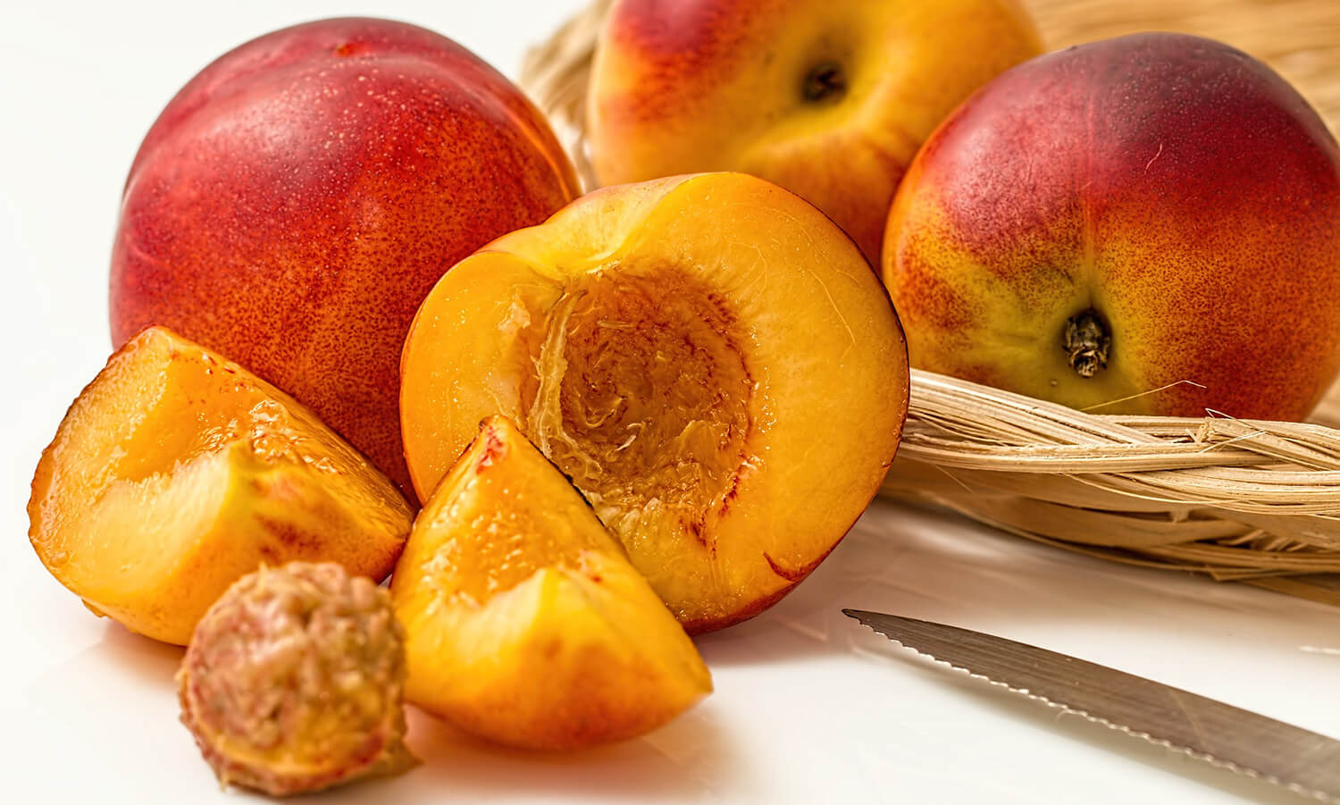 Why nectarines are good source of fiber to your dog