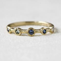18K Gold Light & Medium Blue Sapphire Ring