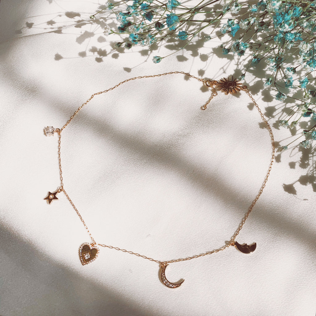 LOVE YOU TO THE MOON & BACK CHOKER