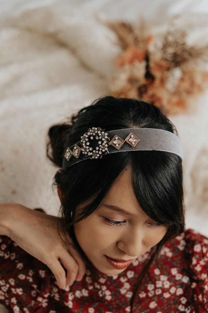 CAESAR EMBELLISHED HAIRBAND - GREY