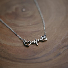 Load image into Gallery viewer, HEARTBEAT PAW NECKLACE