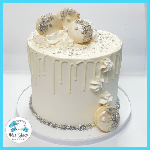 Winter Wonderland Holiday Cake